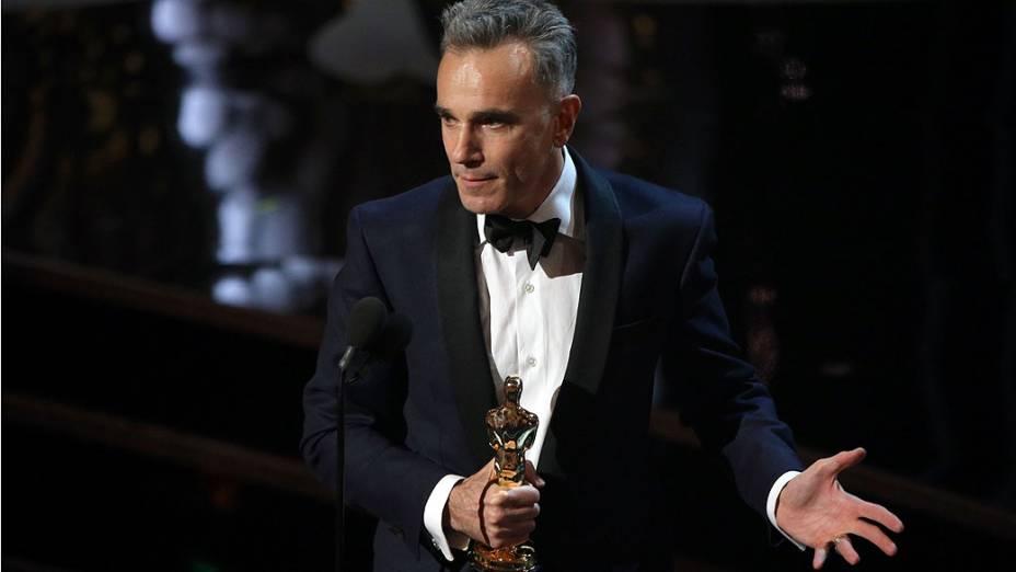 """Daniel Day-Lewis ganhou o prêmio de melhor ator por """"Lincoln"""" durante a cerimônia de entrega dos Oscar 2013"""