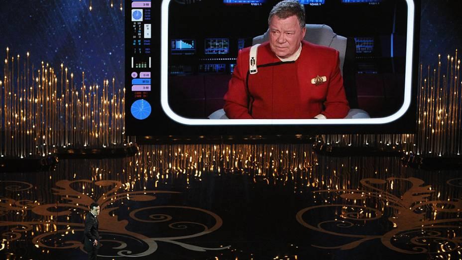 William Shatner participa do Oscar junto com o apresentador Seth MacFarlane