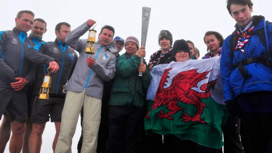 Com a presença de Sebastian Coe, a chama paralímpica é acesa no Monte Snowdon, ponto mais alto do País de Gales, a uma semana da abertura dos Jogos