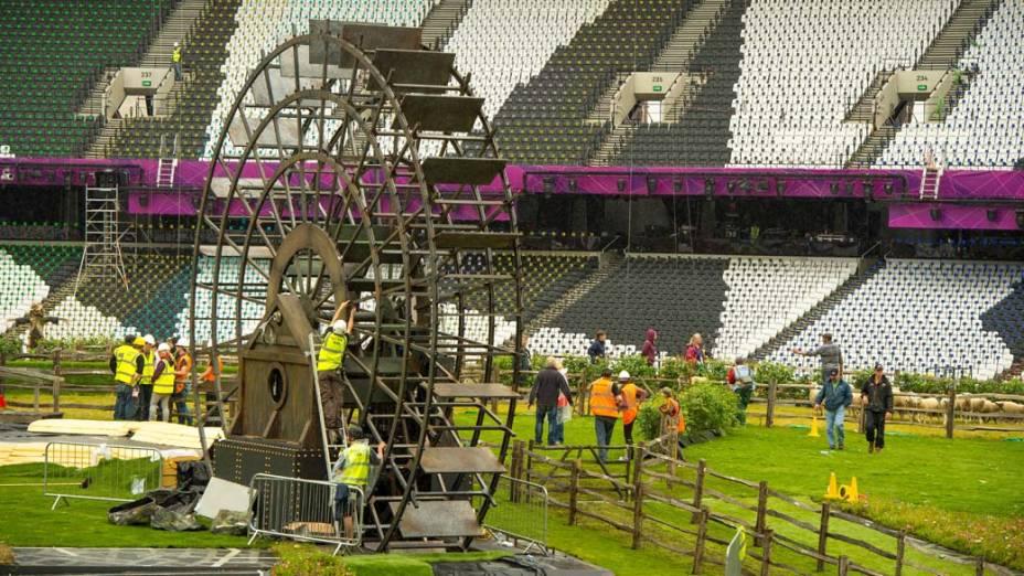 Preparativos para a cerimônia de abertura de Londres 2012, nesta quarta-feira, no Estádio Olímpico