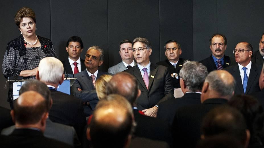 Presidente Dilma Rousseff e o governador de SP, Geraldo Alckmin, participam da Olimpíada do Conhecimento, no Anhembi em São Paulo