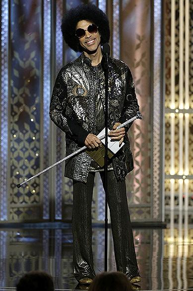 Prince durante 72ª edição do Globo de Ouro, prêmio da associação de correspondentes de Hollywood que elege os melhores do cinema e da TV, em Los Angeles, nos EUA