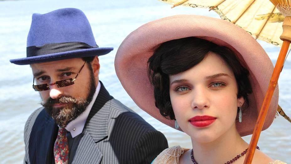 Príncipe Sandra (Emilio Orciollo) e Anabela (Bruna Linzmeyer), de Gabriela