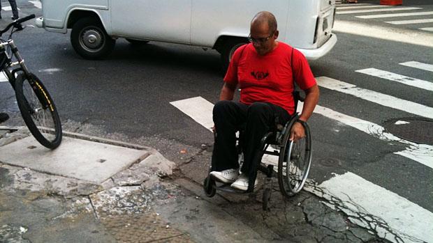 No Brasil, apenas 4,7% das calçadas possuem rampas de acesso para deficientes. Mesmo onde elas existem, a conservação muitas vezes é inadequada