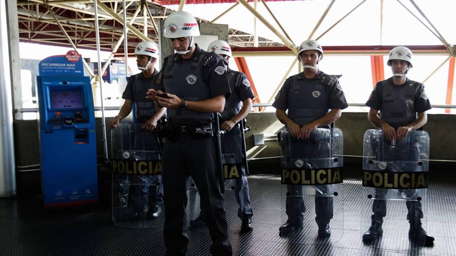 Policiamento reforçado no metrô Carrão