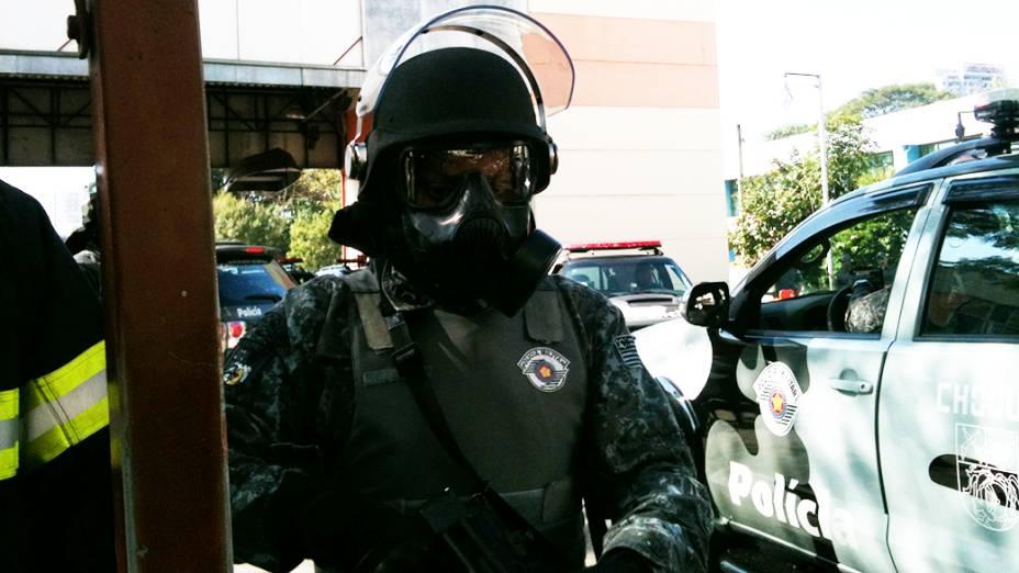 Policiamento reforçado no metrô Carrão, para evitar que protesto siga para Radial Leste