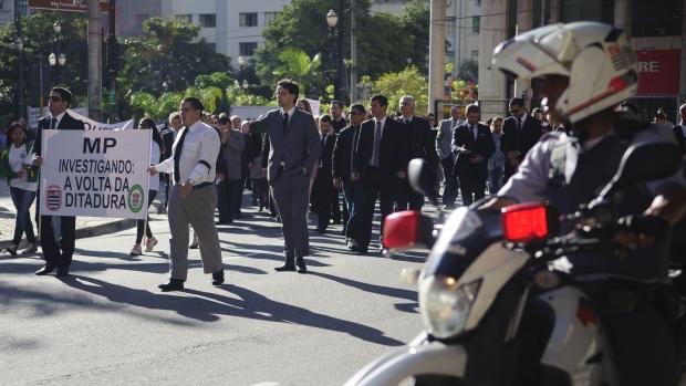 protesto-delegados-policia-civil-contra-prisao-denarc-original.jpeg