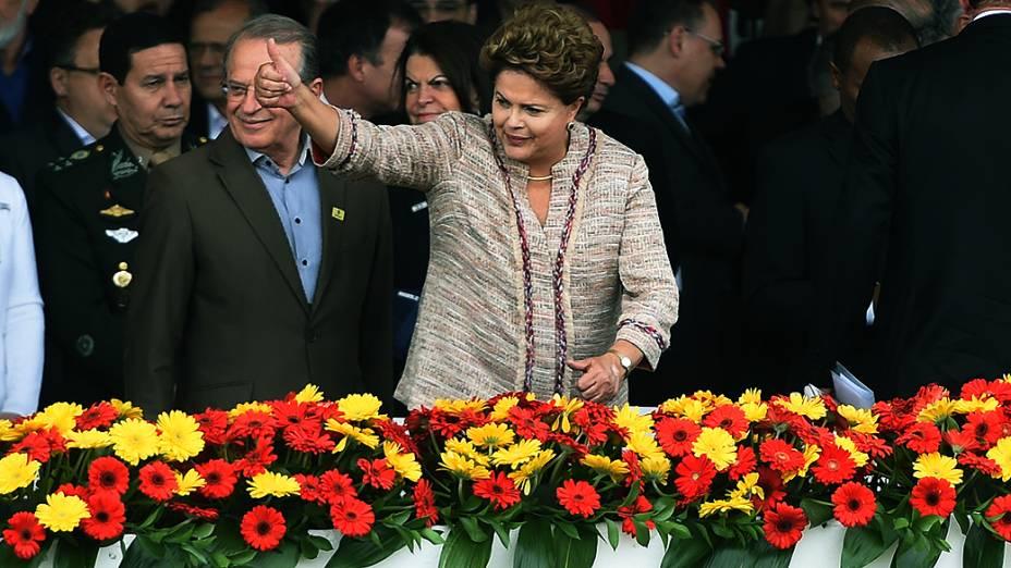 Presidente e candidata à reeleição Dilma Rousseff é recebida com protestos na abertura da Expointer em Esteio (RS) - 05/09/2014