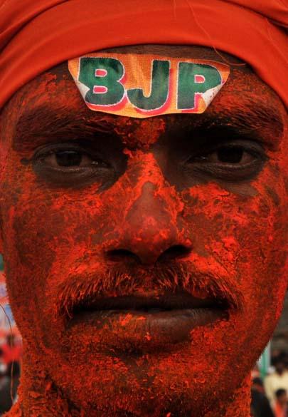 Manifestante participa de protesto contra o governo na cidade de Hyderabad, na Índia