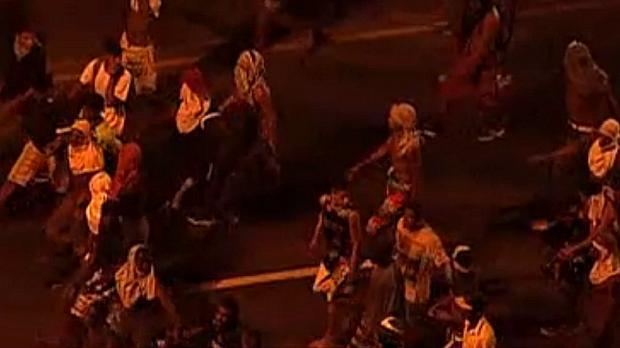 Protesto na Barra: Com os rostos cobertos, vândalos fazem saques na Barra