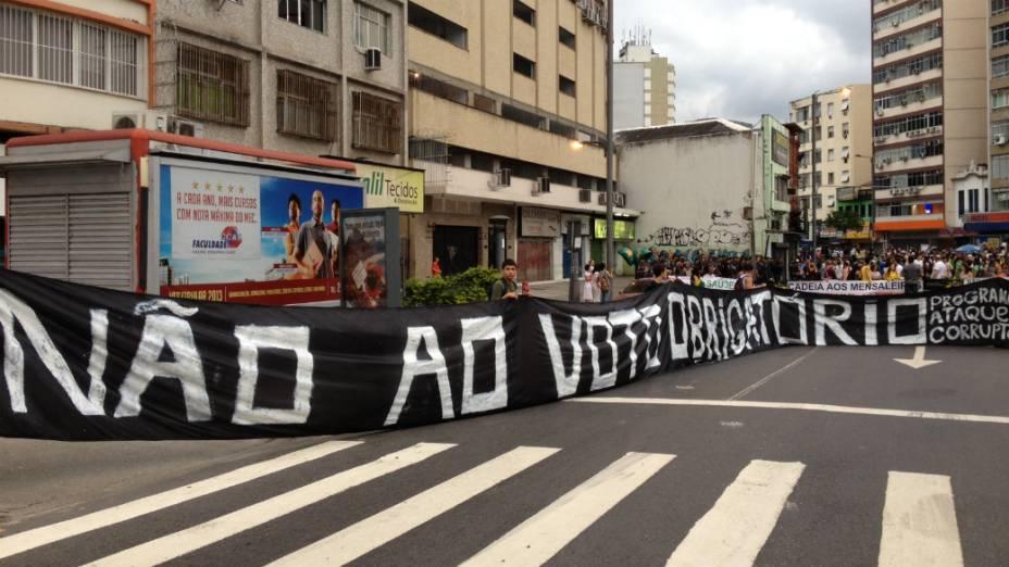 Protesto na Tijuca: manifestantes pediram fim do voto obrigatório neste domingo (30/6)