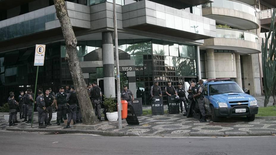 Protesto no Leblon: policiamento na esquina onde mora Sérgio Cabral foi reforçado nesta quinta (4/7)
