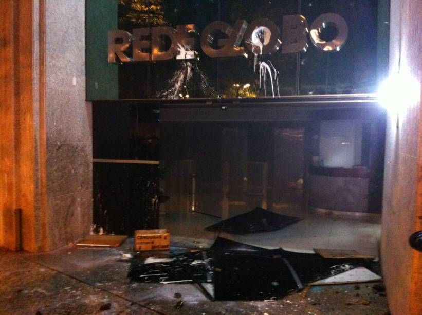 Protesto no Rio: prédio da Rede Globo foi depredado nesta quarta (17/7), no Leblon
