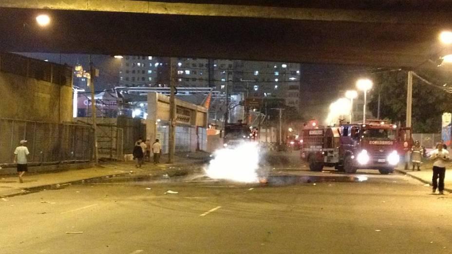 Protesto no Rio: vândalos incendiaram e depredaram o Terreirão do Samba