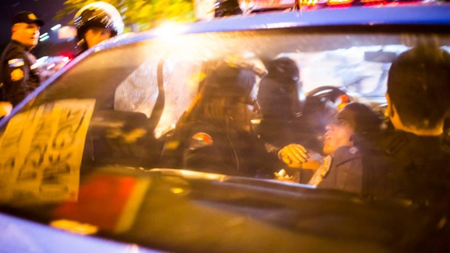 Manifestantes presos durante protesto no Rio de Janeiro
