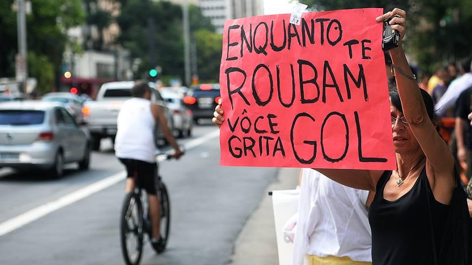 Protesto no vão livre do Masp no aniversário de São Paulo