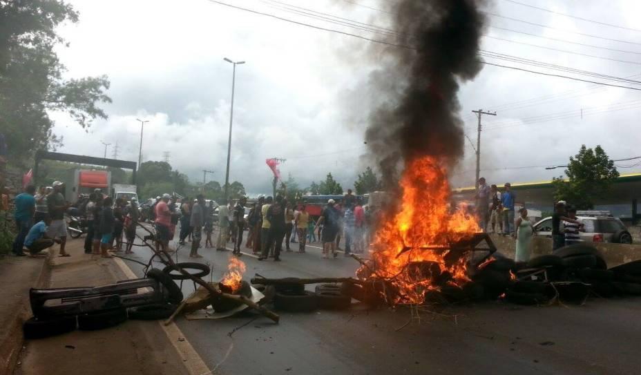 MTST interdita vias pelo país no Dia Nacional de Lutas