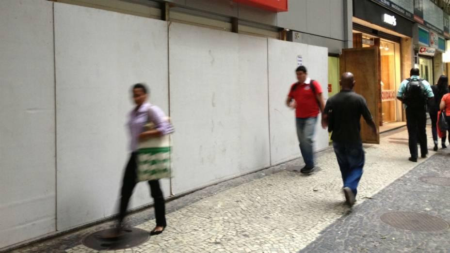 Agências fechadas no centro do Rio: medo de novos atos de vandalismo nesta segunda (24/6)
