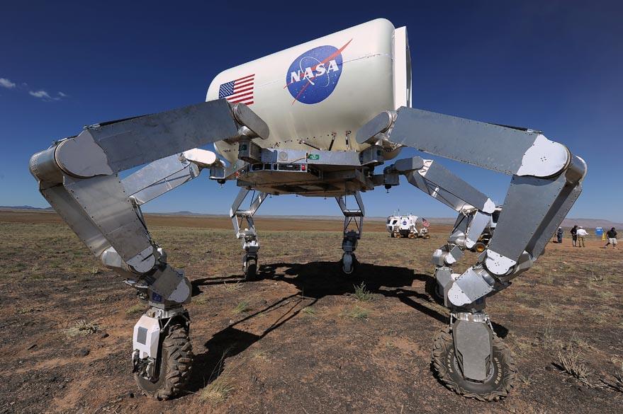 A Nasa realiza testes com protótipo em região desértica do Arizona para simular condições ambientais encontradas na superfície da Lua, asteróides e Marte