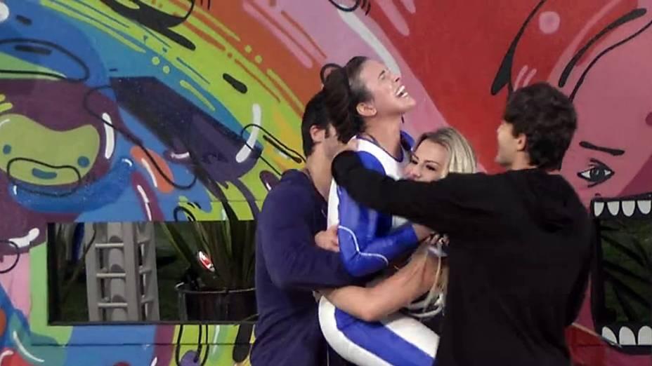 Kamilla comemora a vitória na prova do líder
