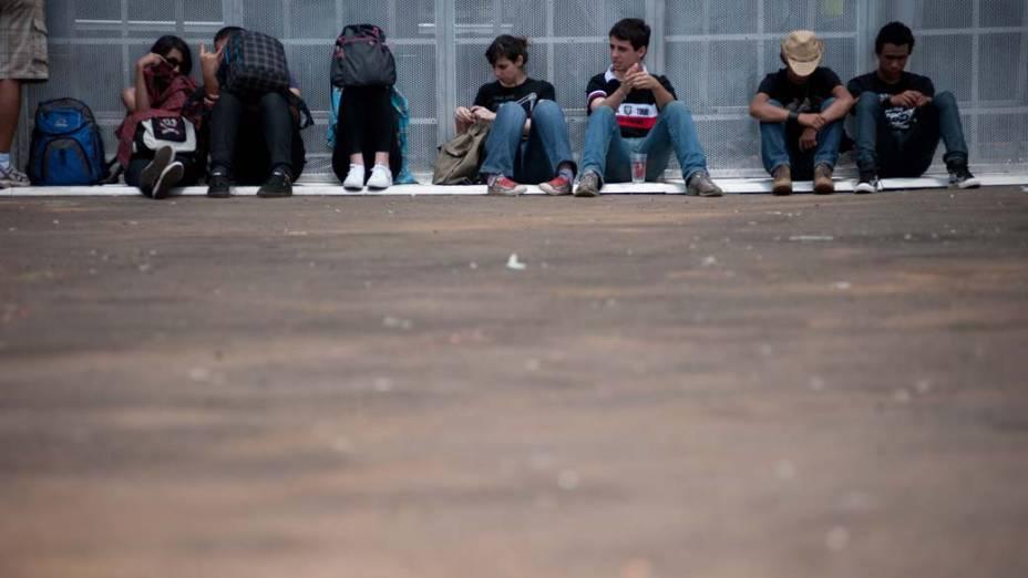 Público durante o segundo dia do festival SWU em Paulínia, em 13/11/2011
