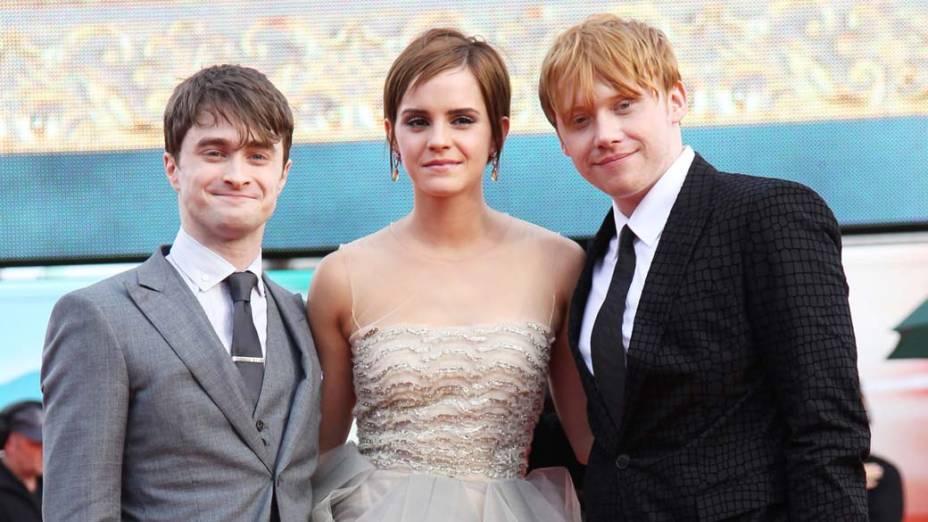 Daniel Radcliffe, Emma Watson e Rupert Grint na estreia de <em>Harry Potter e as Relíquias da Morte – Parte 2</em>, em Londres