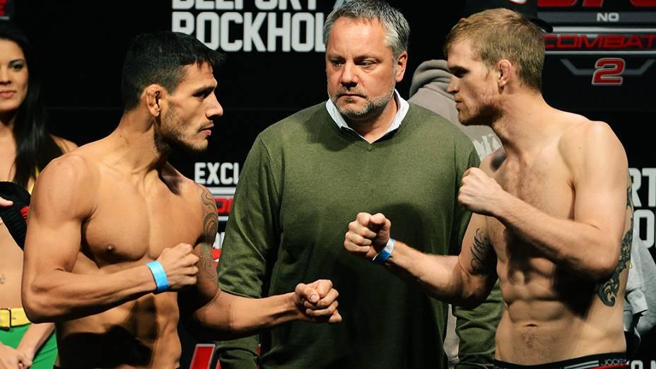 Rafael dos Anjos e Evan Dunham durante a pesagem do UFC Jaraguá do Sul em (SC)