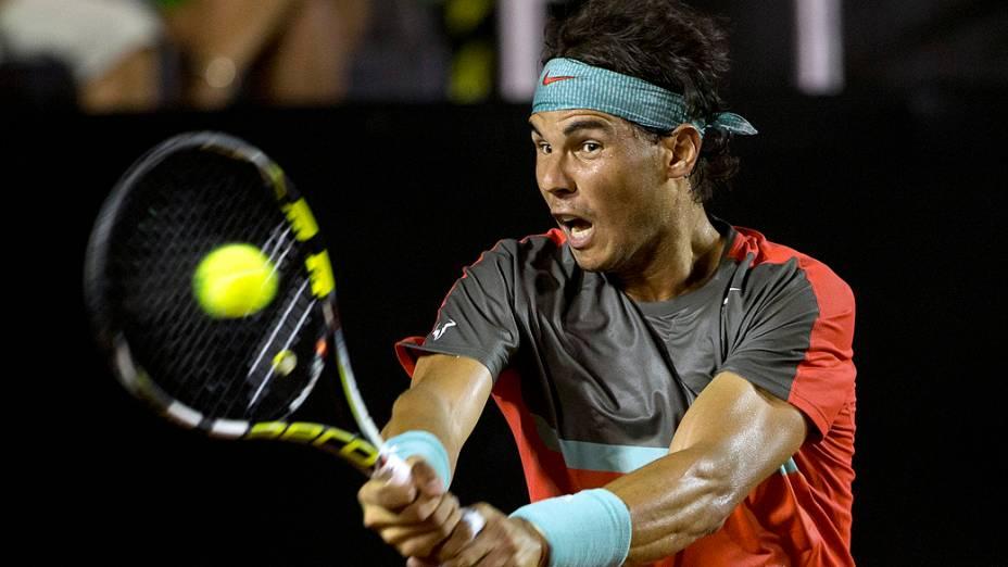 O tenista Rafael Nadal durante partida contra seu compatriota Daniel Gimeno-Traver no Jockey Club, no Rio de Janeiro