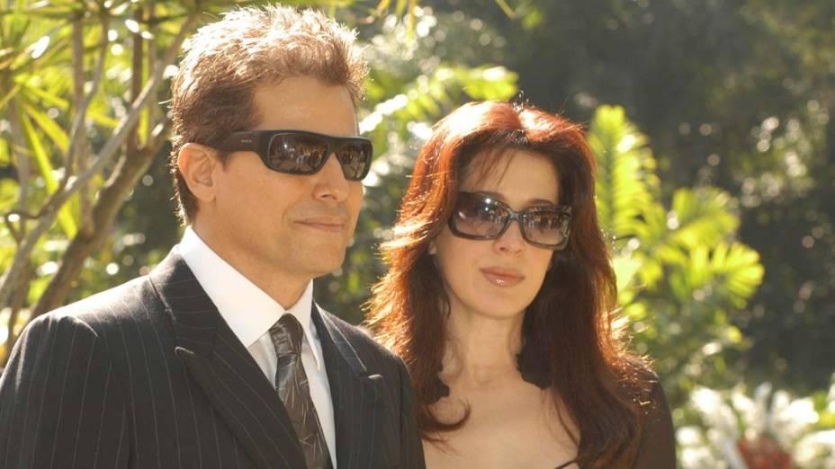 Edson Celulari e Cláudia Raia no funeral de Roberto Marinho, em 2003
