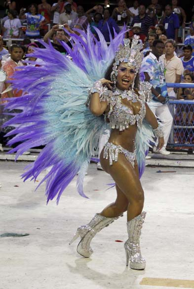Raíssa Oliveira, rainha de bateria da Beija-Flor