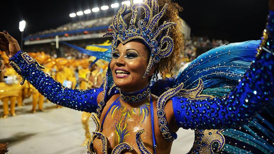 Viviane Rodrigues, madrinha de bateria da Acadêmicos do Tatuapé