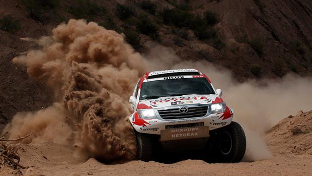 Carro da dupla Giniel De Villiers e Dirk Von Zitzewitz, durante a quarta etapa do rali Dakar