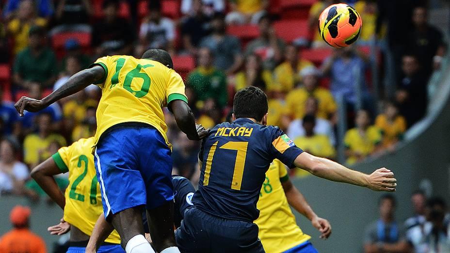 Ramires durante o amistoso entre Brasil e Austrália no estádio Mané Garrincha em Brasília