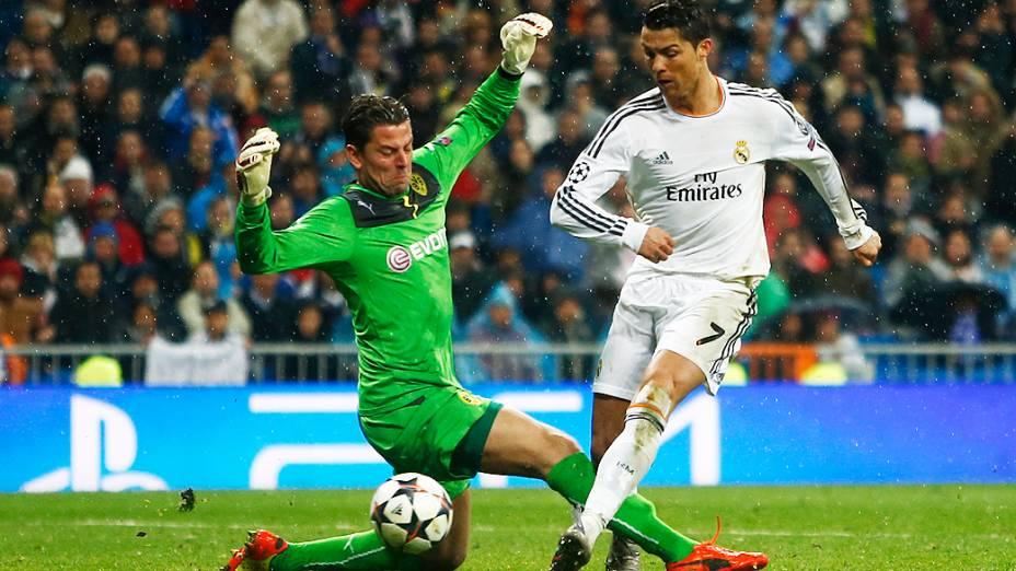 O atacante português driblou o goleiro antes de marcar