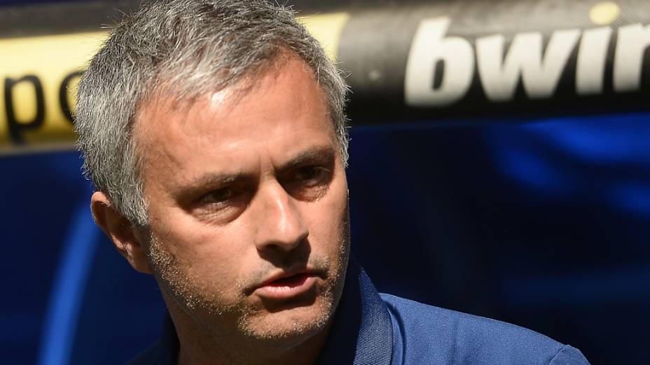 José Mourinho, técnico do Real Madrid, durante partida contra o Osasuna