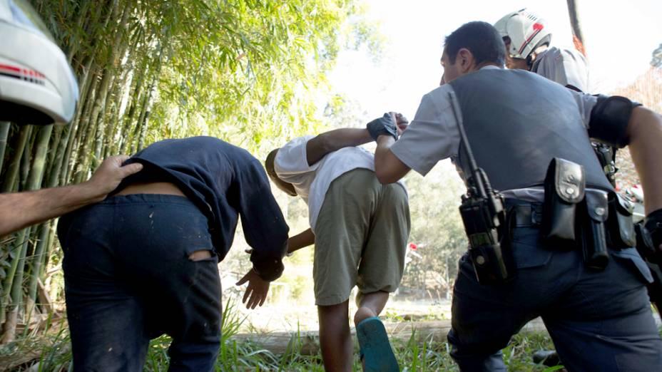 Policiais conseguem capturar parte dos menores que fugiram da Fundação Casa. Ao todo cinquenta e nove fugiram