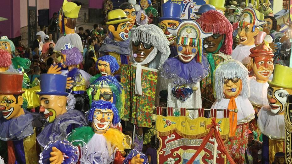 Foliões no Galo Invertido durante o carnaval de Pernambuco. Galo Invertido, que sai da Avenida Guararapes e vai até a Sérgio Loureto, fazendo o sentido inverso