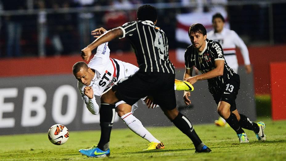 Corinthians vence o São Paulo por 2 x 1 no Morumbi na partida de ida da final da Recopa Sul-Americana