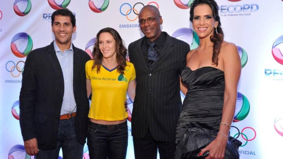 Maurício, Fabiana Murer, Robson Caetano e Virna na festa promovida pela Rede Record para anunciar a programação da emissora em 2012; o canal exibirá a Olimpíada de Londres