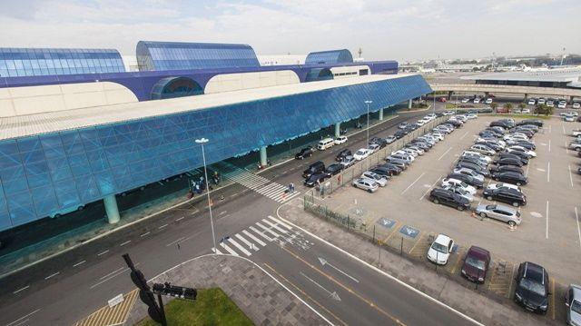 Reforma de aeroportos para a Copa do Mundo de 2014: em Porto Alegre, o projeto para renovar o terminal de passageiros ainda está na fase de elaboração. As obras na pista devem ficar prontas apenas às vésperas do Mundial