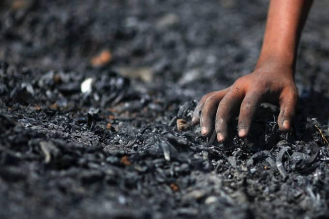 refugiado-mao-cinzas-mianmar-20120224-original.jpeg