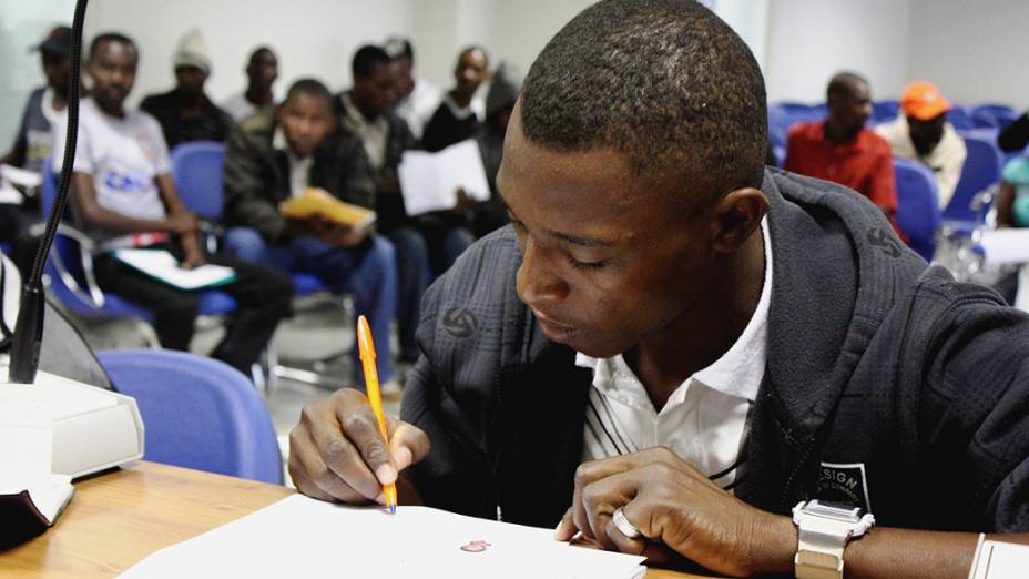 Ministério do Trabalho emitiu 300 carteiras em uma semana a imigrantes haitianos