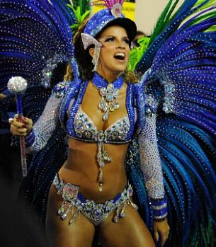 Renata Santos é rainha de bateria da Mangueira