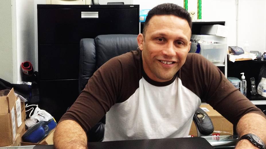 Renzo Gracie no escritório da academia no centro de de Nova York