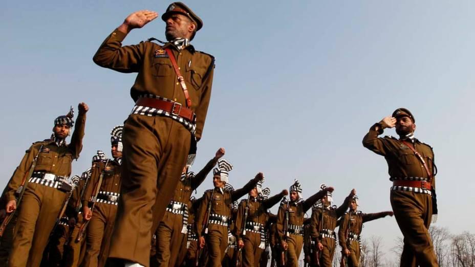 Policiais durante cerimônia do Dia da República da Índia