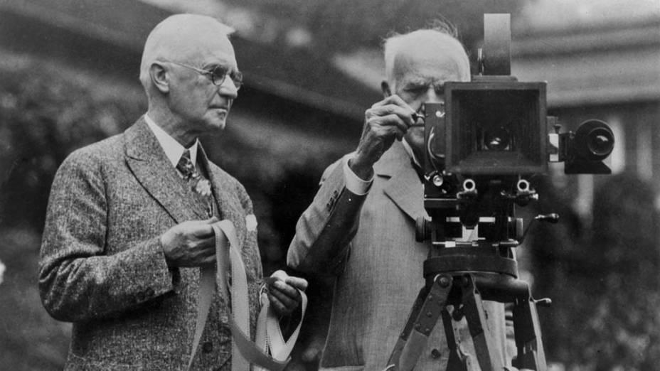 George Eastman, fundador da Kodak, e o inventor Thomas Edison em foto de campanha publicitária