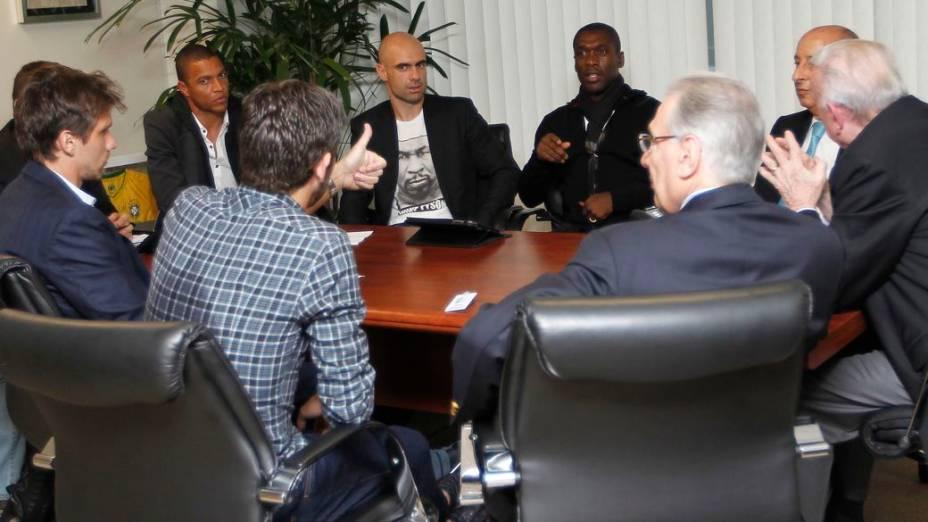 A primeira reunião entre líderes do movimento Bom Senso FC e a cúpula da CBF, na sede da entidade, no Rio de Janeiro