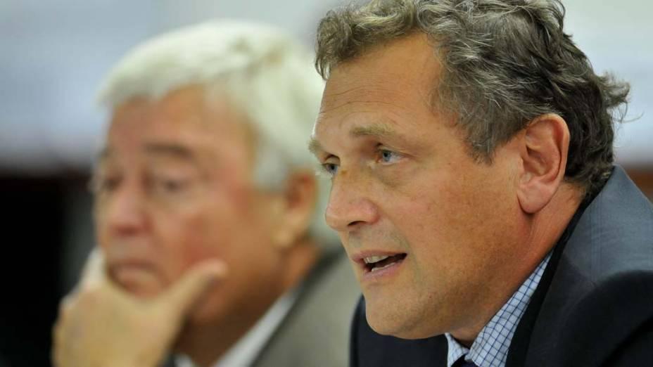O presidente da CBF, Ricardo Teixeira, e o secretário-geral da Fifa, Jerôme Valcke, participam de audiência na Comissão sobre a Lei Geral da Copa de 2014, na Câmara dos Deputados, em Brasília