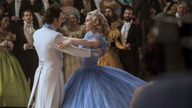 Richard Madden e Lily James em Cinderela