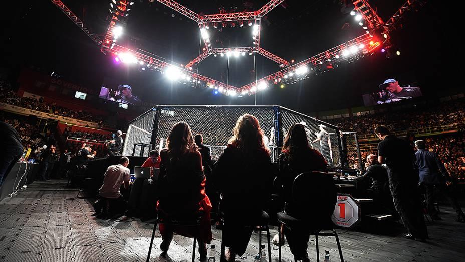 Ring girls durante a final do TUF Brasil 3 no Ginásio do Ibirapuera em São Paulo